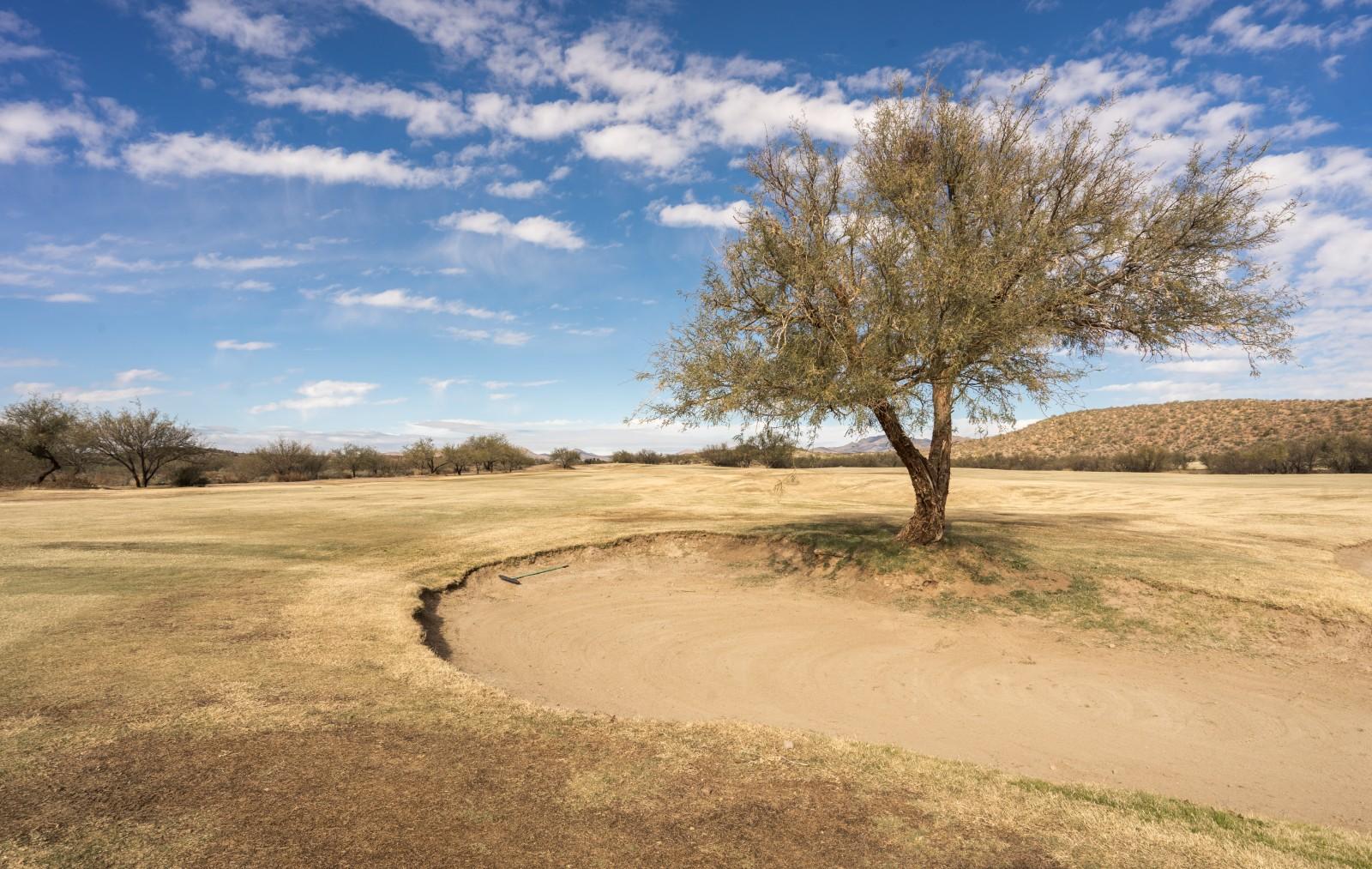 Fairwaybunker auf Loch 1 von Apache Stronghold