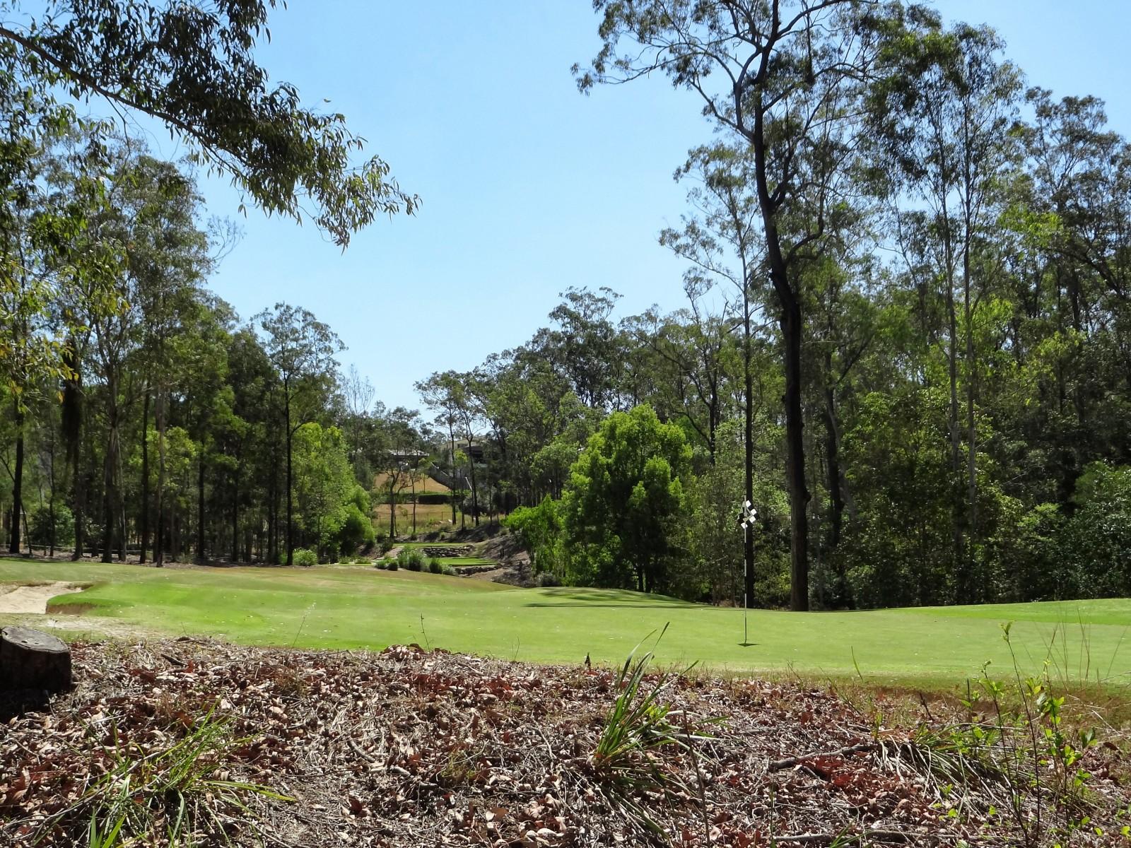 Das Grün der 14 im Brookwater Golf Club