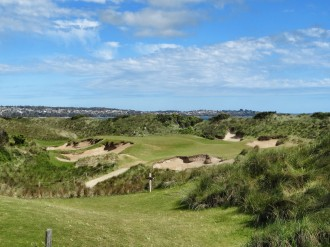 Barnbougle Dunea Loch 7: Tom's Little Devil