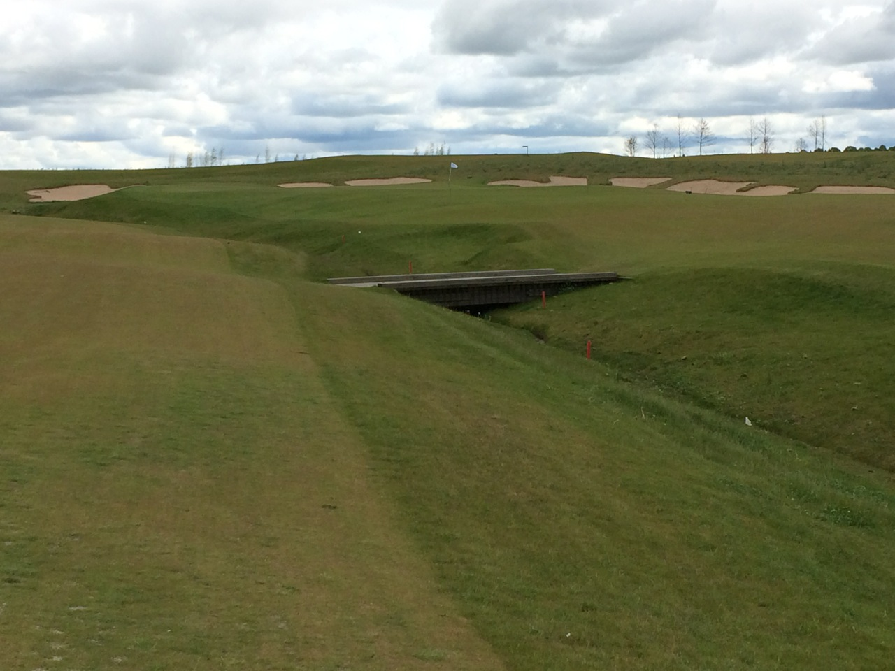 Loch 11. Das Grabenloch