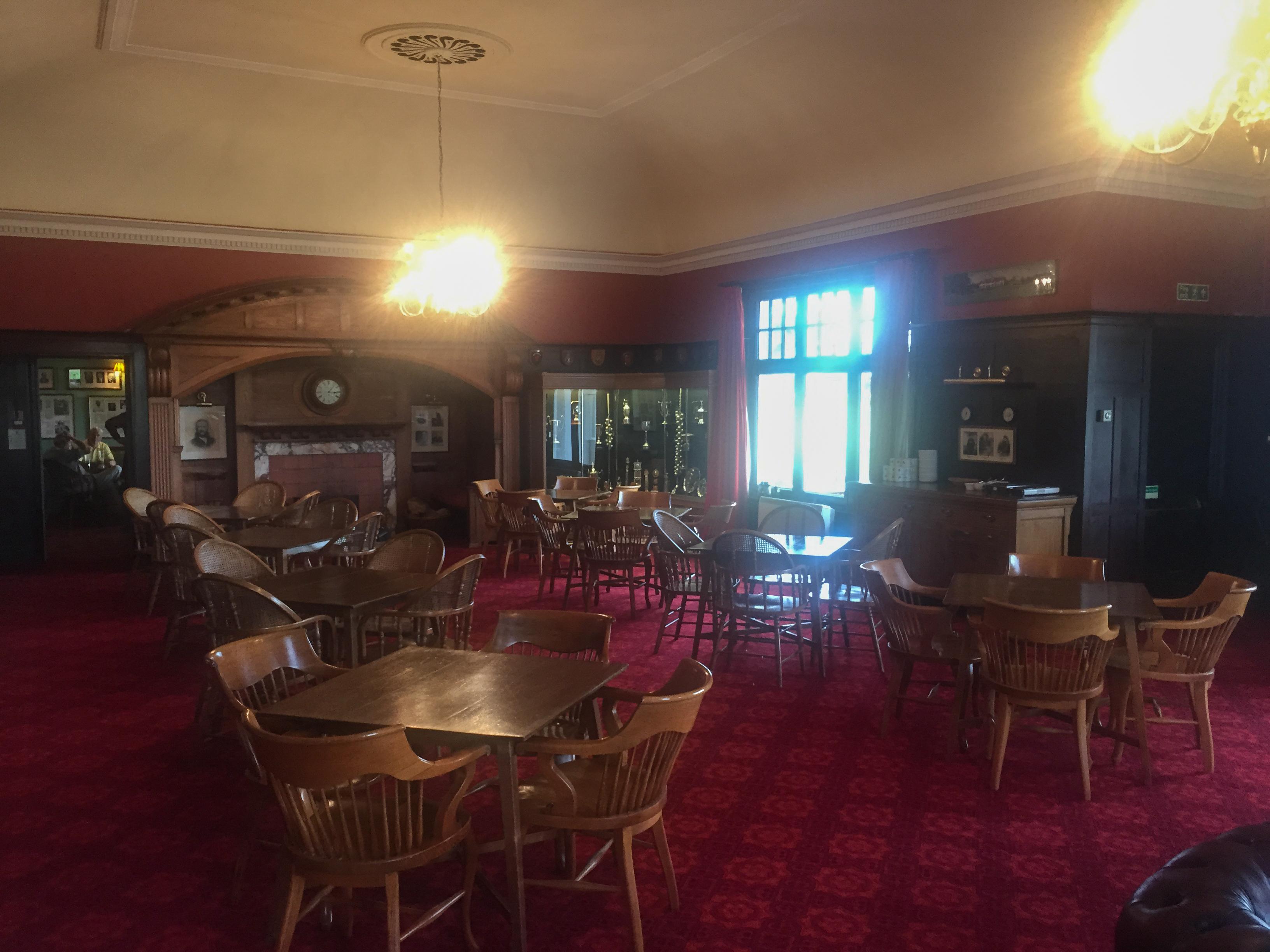 Im Dinner-Room des Panmure Golf Club sind Schlips und Kragen Pflicht